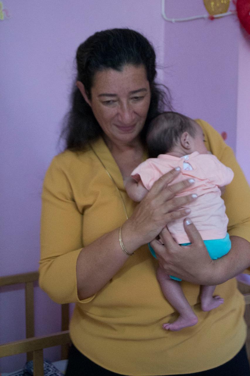 egypt dina alghomary with child